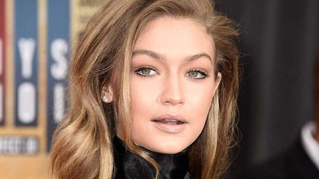 Gigi Hadid Look Monocolor