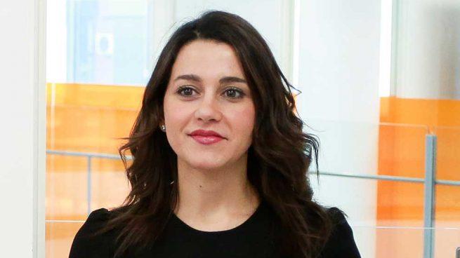 Inés Arrimadas polémica Pipi Estrada