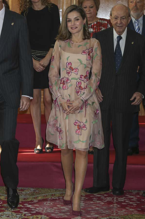 La reina Letizia obsesionada con las flores