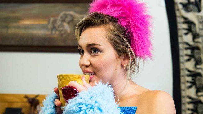 Miley Cyrus confía en diseñadores españoles