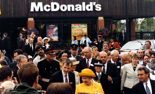¿Qué monarca europea es la 'Reina' del fast food?