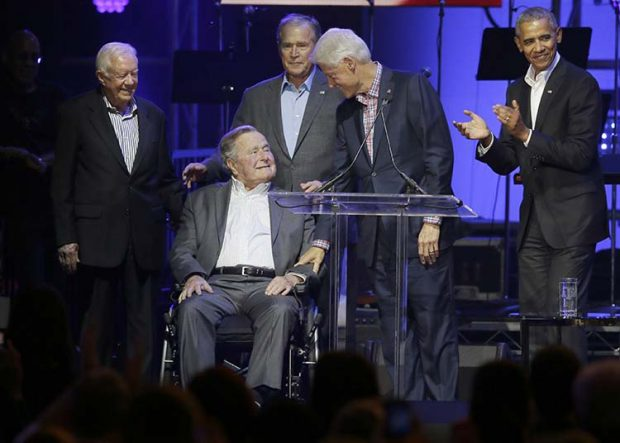 George H.W. Bush acusado de acoso sexual