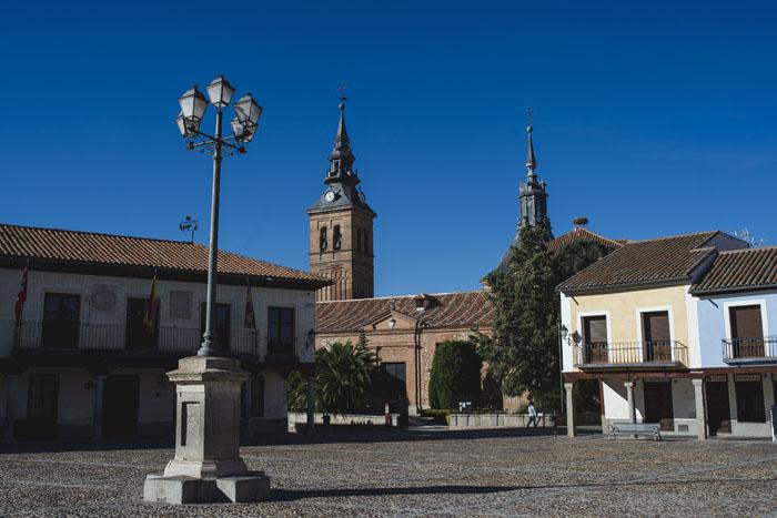 La Plaza de Segovia y la iglesia de Nuestra Señora de la Asunción de Navalcarnero / Gtres