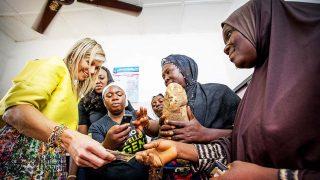 La reina Máxima de Holanda durante una visita a Nigeria / Gtres