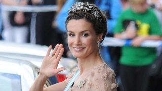 GALERÍA: La tiara floral de Mellerio, la diadema favorita del joyero de Letizia. / Gtres