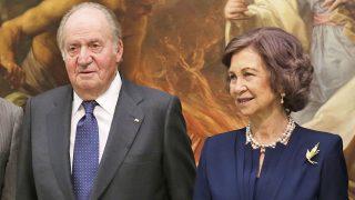 Don Juan Carlos y doña Sofía en la entrega de la Medalla de la Academia de Bellas Artes de San Fernando / Gtres