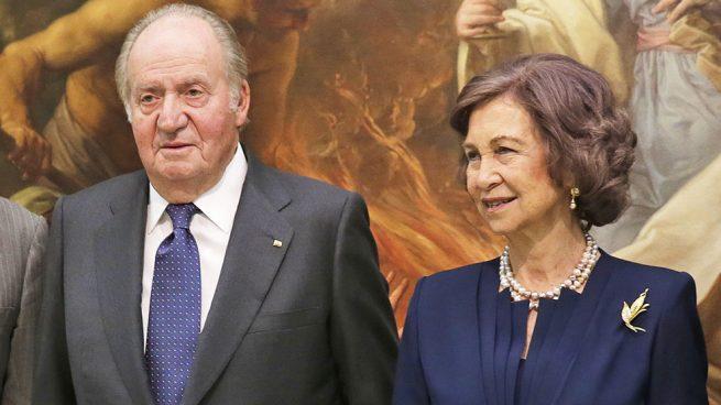 Don Juan Carlos y doña Sofía, más unidos que nunca en su reaparición oficial