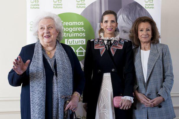 Doña Pilar junto a Margarita Vargas