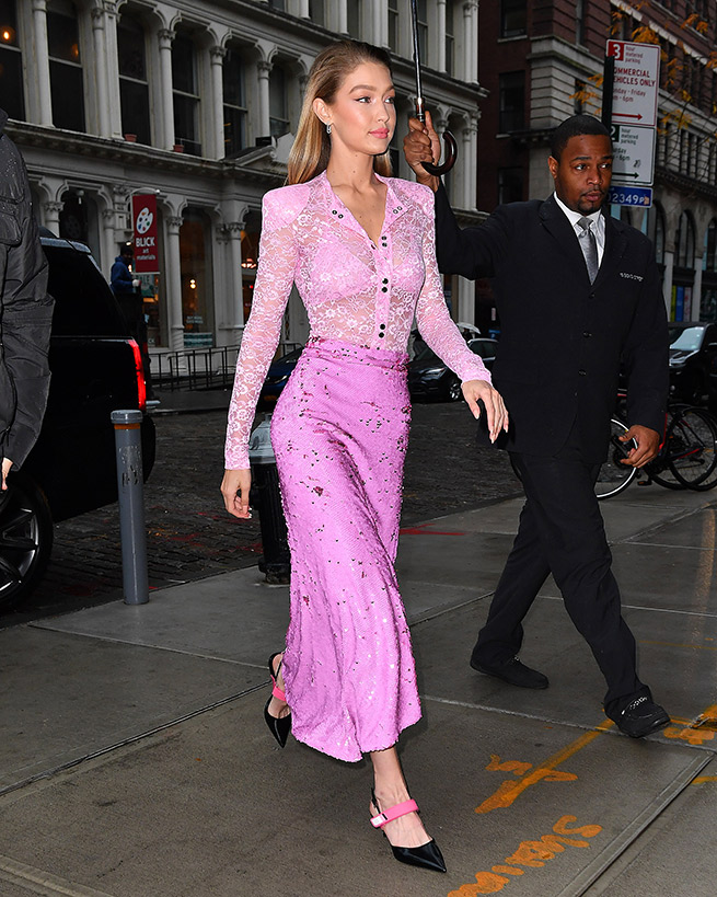 Gigi Hadid rosa chicle
