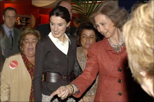 Doña Letizia , la 'reina ausente' en el Rastrillo