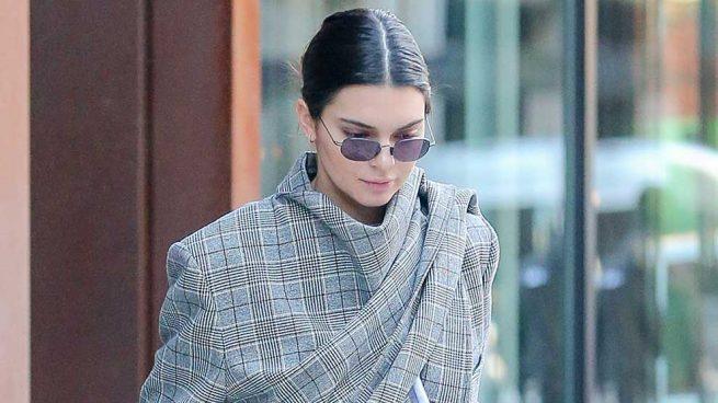 Kendall Jenner Abrigo Balenciaga