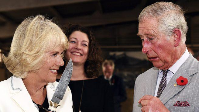 ¿Por qué Camilla Parker está 'furiosa' con los duques de Cambridge?