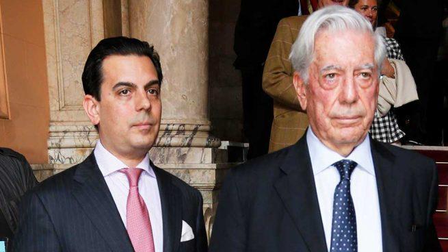 Mario Vargas Llosa y su hijo