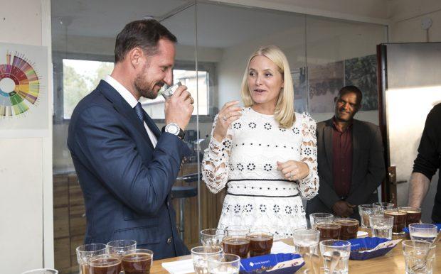 Mette Marit y Haakon en un acto oficial