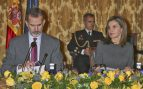 Doña Letizia, sobria de Hugo Boss, tras la polémica por su look 'Gatsby'