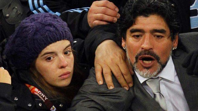 Diego Armando Maradona podría mandar a su hija a prisión