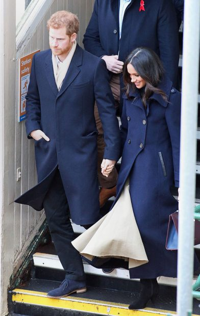 Meghan Markle agota su primer look oficial como prometida del príncipe Harry