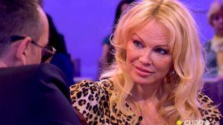 Pamela Anderson junto a Risto Mejide/Mediaset