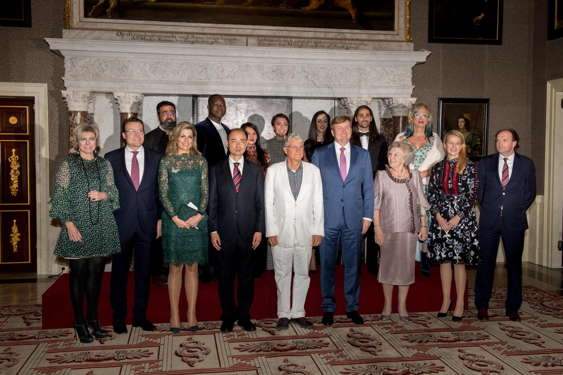 Máxima de Holanda se marca un Letizia con su último look