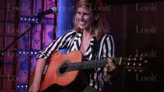 Manuela Velles se lanza como cantante/LOOK