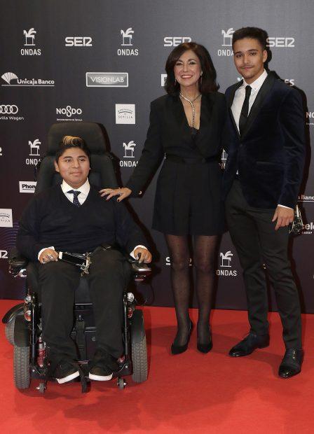 Isabel Gemio presenta a sus hijos en un momento crucial para ella