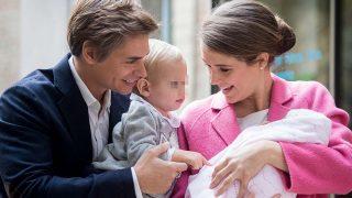 Carlos Baute y Astrid Klisans presentan a su hija Liene / Gtres