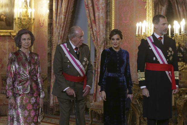 Doña Letizia, una Reina 'Blue Velvet' en su primer acto oficial del año