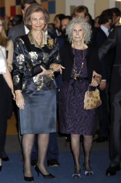 La reina Sofía con Cayetana de Alba