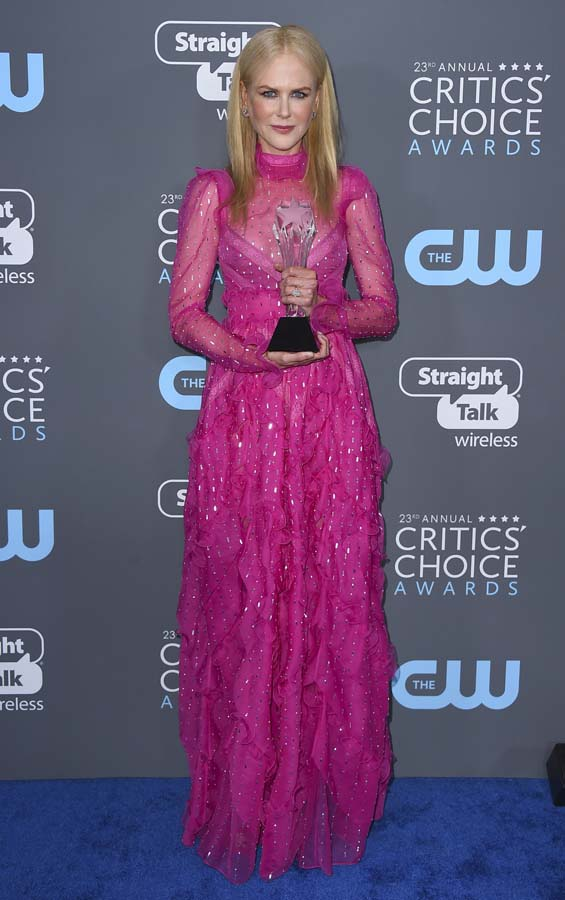 La alfombra roja recupera el color en los Critics Choice Awards