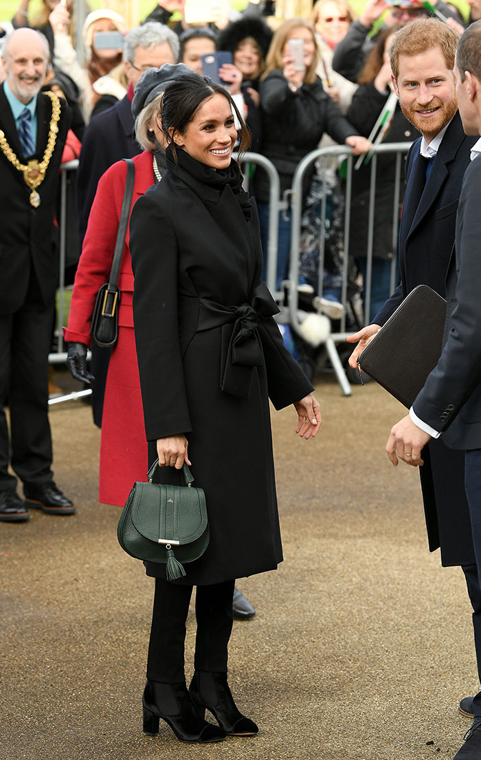 Meghan Markle total black look en negro