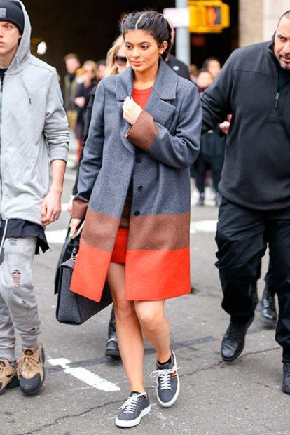 Doña Letizia rescata su look Kardashian en su último acto de la semana