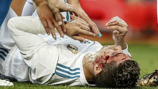 Cristiano Ronaldo tendido en el suelo tras recibir la patada /Gtres