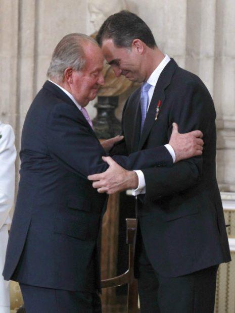 Los reyes Juan Carlos y Felipe el día de la abdicación / Gtres