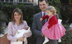 Los Reyes con sus hijas