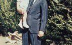 El rey Juan Carlos con su hijo, el príncipe Felipe de Borbón