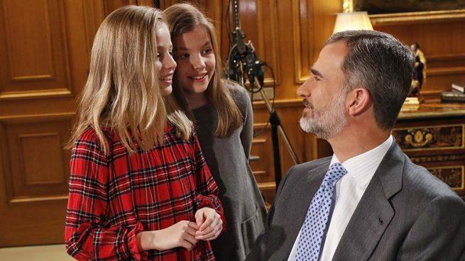 El Rey con sus hijas