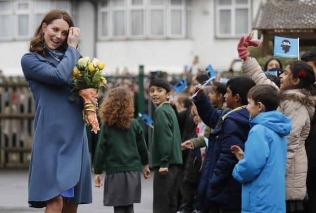 Kate Middleton estrena look por una buena causa