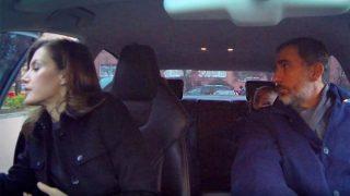 Momento del vídeo en el que el rey advierte a Letizia