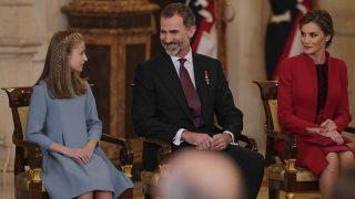 Los Reyes con la Princesa de Asturias en la entrega del Toisón de Oro (Gtres)