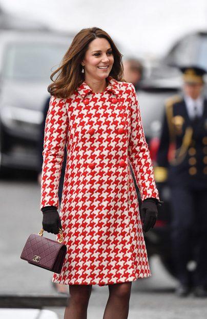 Kate Middleton llena de color el invierno sueco y rinde homenaje a Diana de Gales
