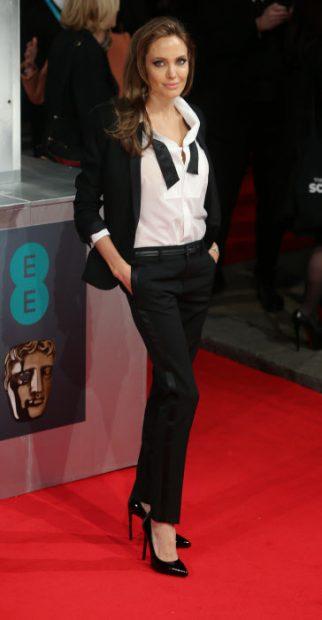 Angelina Jolie con el esmoquin / Gtres