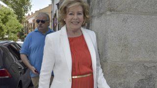 La actriz Laura Valenzuela la comunión de su nieto Álvaro / Gtres