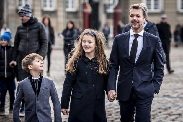 Federico de Dinamarca con sus hijos / Gtres