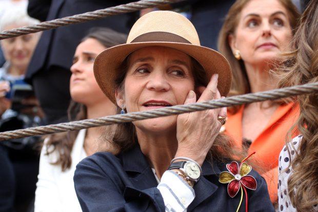 Doña Elena con el broche / Gtres