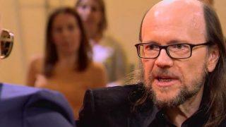 Santiago Segura se sienta en el 'Chester' de Rsito Mejide/Mediaset