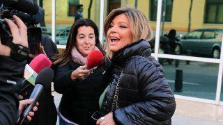 Terelu Campos atiende a la prensa en la Clínica de La Luz / Gtres
