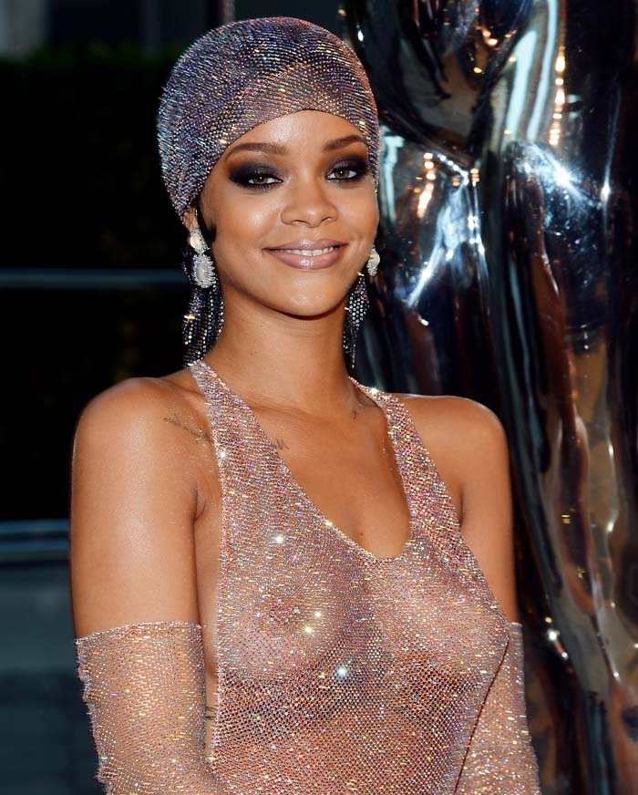 rihanna mejores looks video