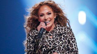 Jennifer Lopez durante una actuación reciente / Gtres