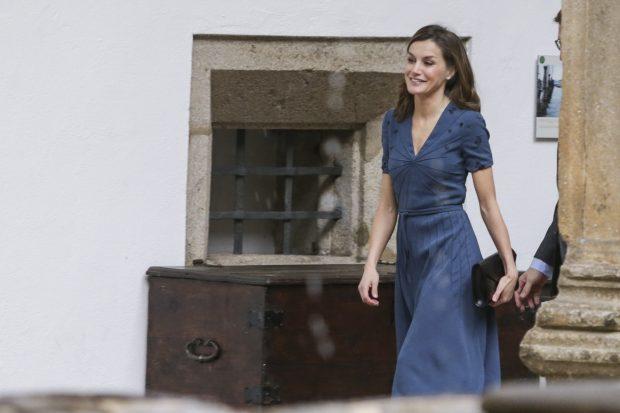 Doña Letizia a su llegada al acto / Gtres
