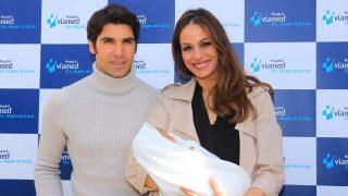 Cayetano Rivera y Eva González presentan a su hijo Cayetano / Gtres